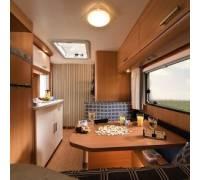 eifelland klein wohnwagen holiday im test. Black Bedroom Furniture Sets. Home Design Ideas