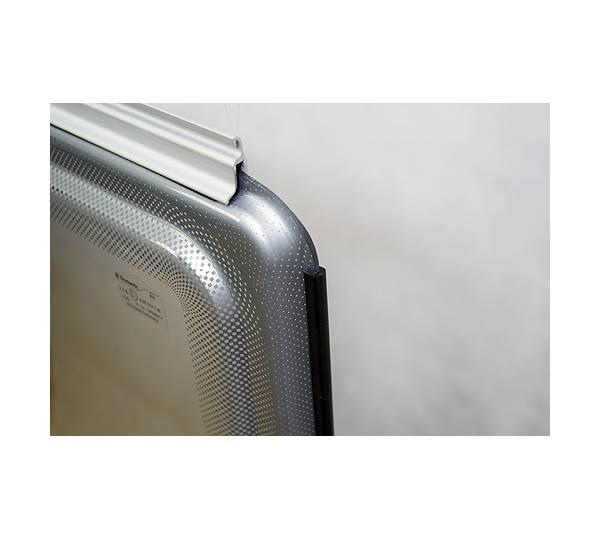 carapro sto schutz f r wohnwagen und reisemobilfenster. Black Bedroom Furniture Sets. Home Design Ideas