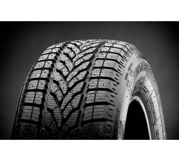 interstate tires winter iwt 2 evo 225 45 r17 94h test. Black Bedroom Furniture Sets. Home Design Ideas