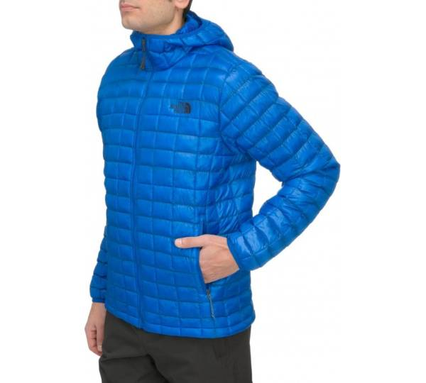 wholesale dealer cd8db f165e The North Face Thermoball Hoodie Jacket Test | Testberichte.de
